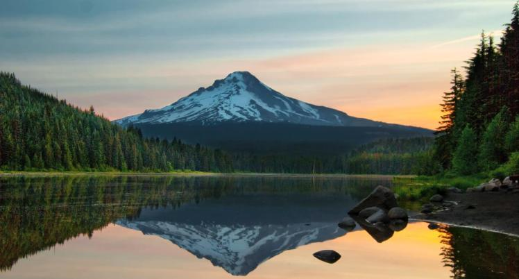 HERO 0_Trillium Lake, Mt Hood, Sunrise_Cropped_Web72DPI